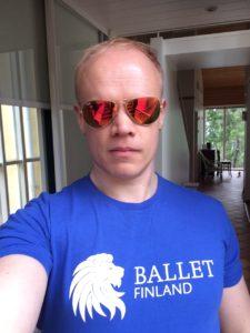 Harri Alatalo Ballet FInlandin t-paidassa